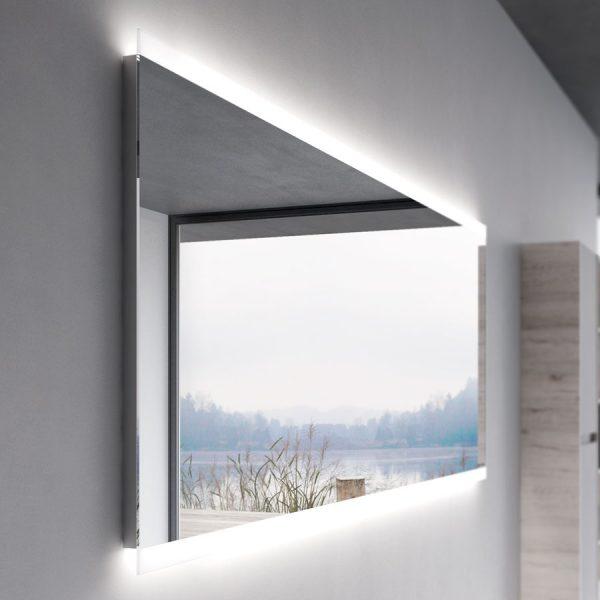 Espejo camerino con marco perimetral e iluminación de led integrada.